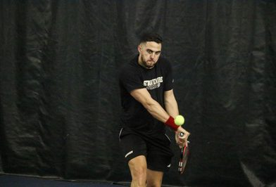 Bonnies fight, fall to Dukes at home
